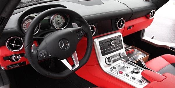Mercedes-Benz_SLS_AMG_interior