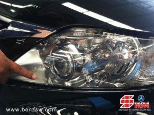 โคมไฟหน้า Lexus RX350 แตก ยี่ห้อ Koito