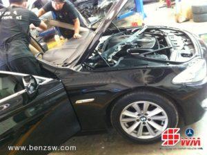 ติดตั้งกระจก BMW 520d 1