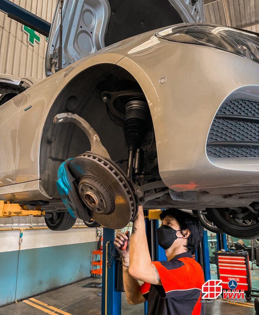 งานเปลี่ยนโช๊คอัพหน้า โช๊คอัพหน้าทรุด Mercedes-Benz E-Class W213 E350e จากเยอรมันนำเข้าเอง ( อะไหล่แท้ ) ราคาพิเศษ
